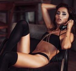 Anastasiya Avilova nackt zu sehen